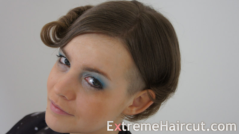 curly asymmetrical hairstyle (3)