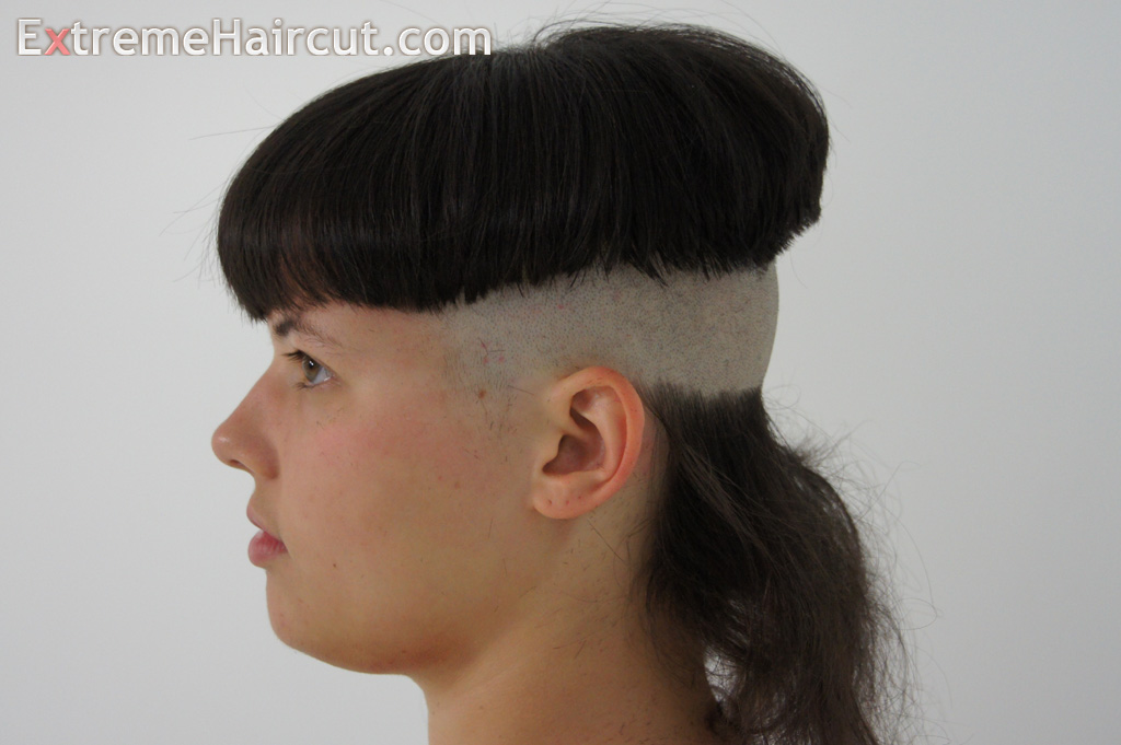 the bowl mullet hairstyle 5